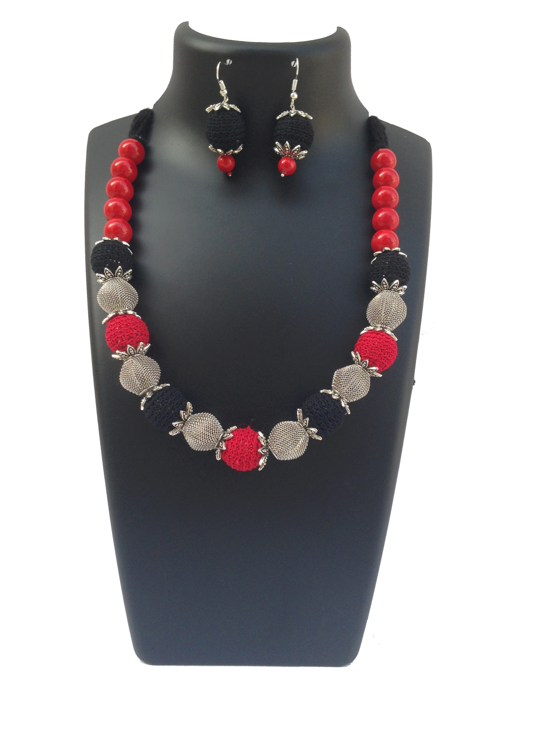 red-black-necklace