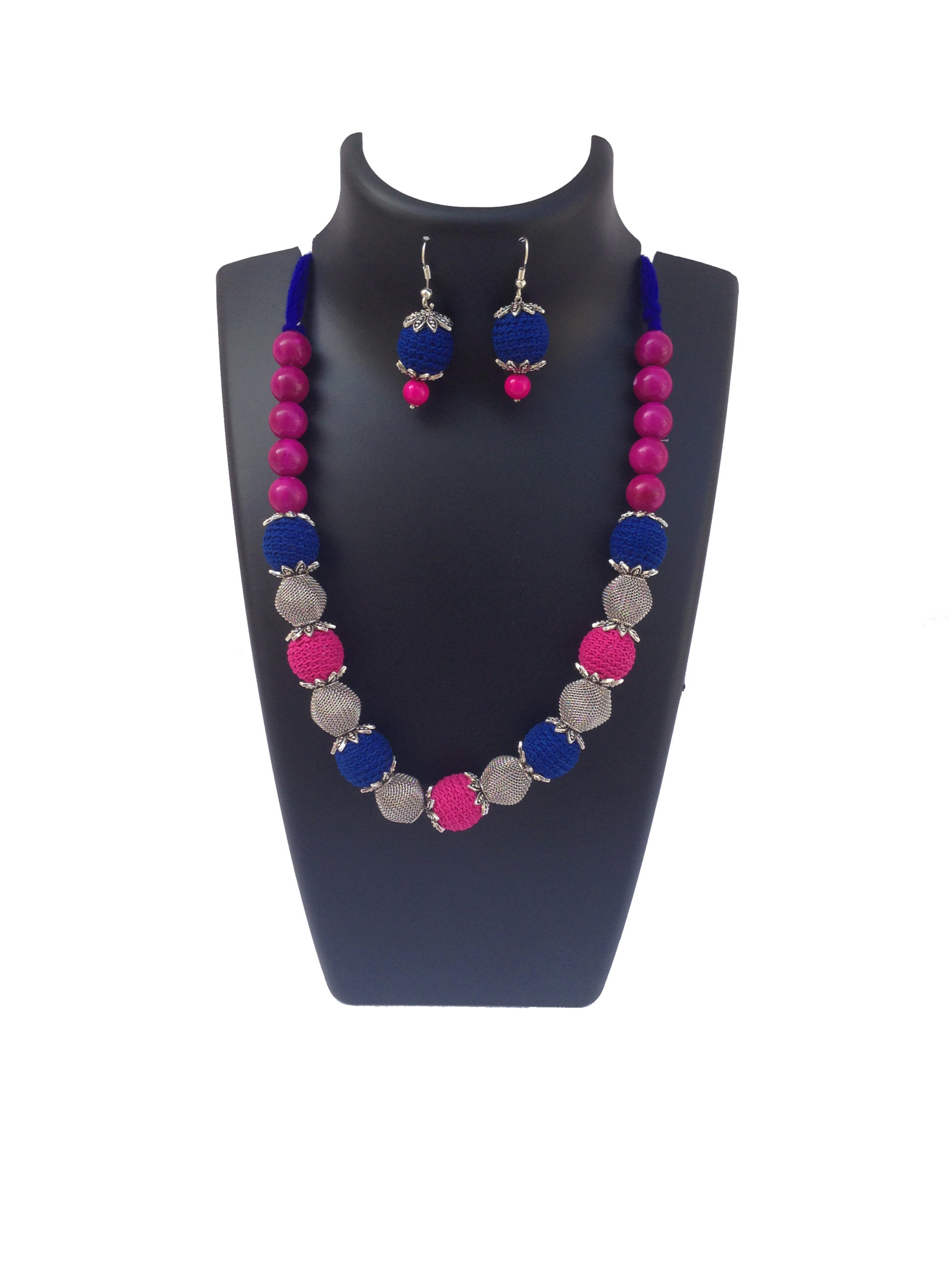 blue-hotpink-necklace