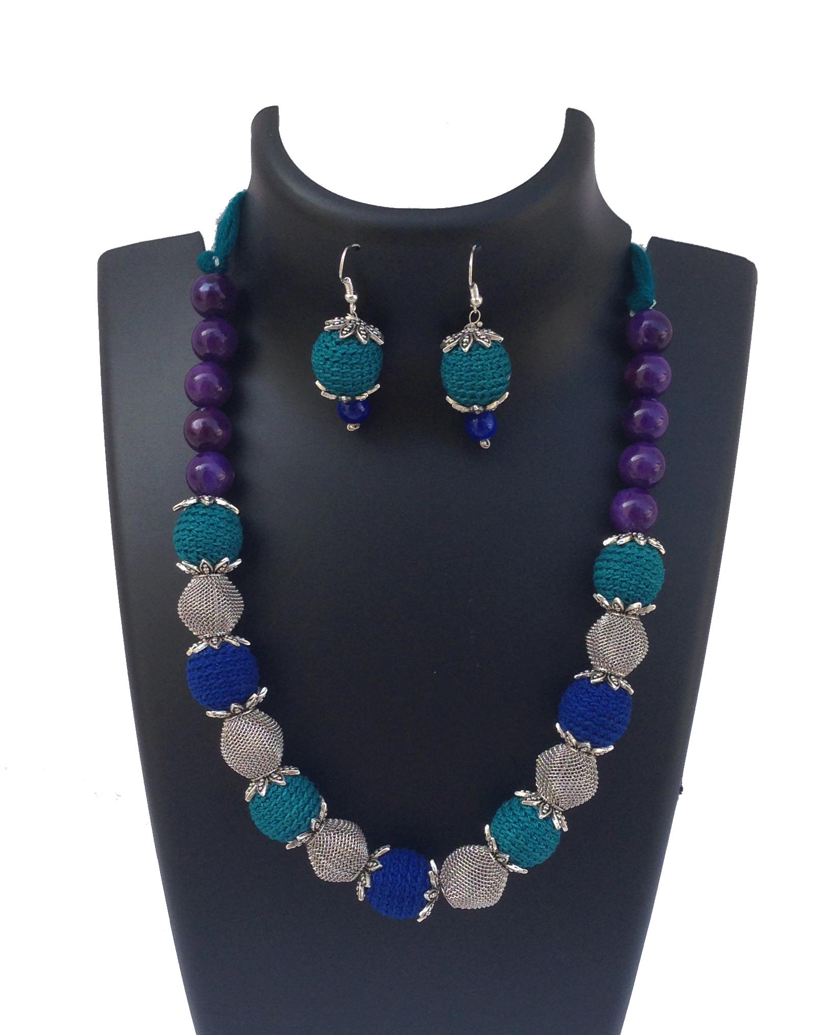 teal-blue-necklace