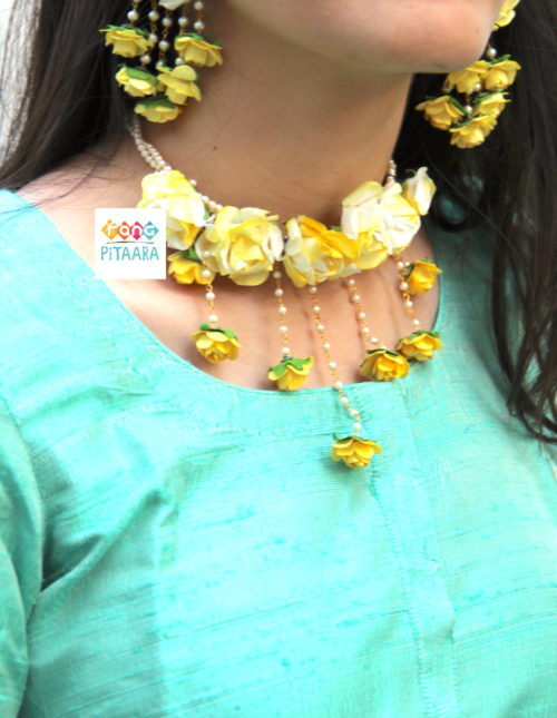 Pretty Yellow Paper Flowers Choker Set